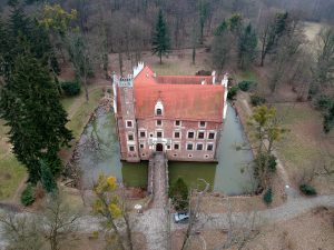 Zamek Wojnowice - od frontu