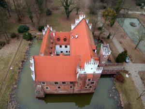Zamek w Wojnowicach - ściana boczna